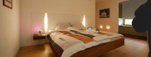 Schlafzimmer mit integrierter Beleuchtung
